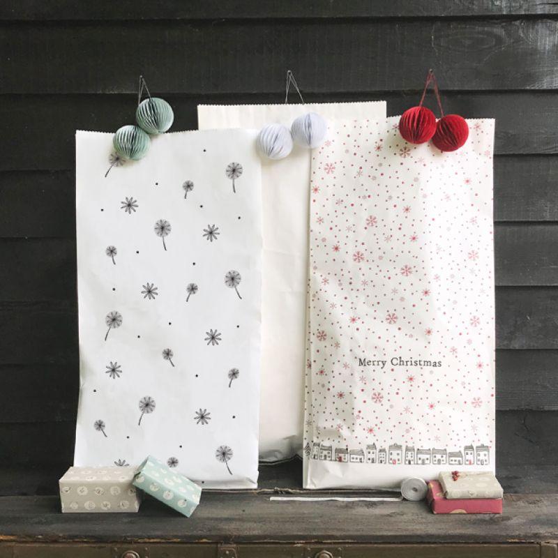 Χαρτοσακούλα - Λευκή με μαργαρίτες