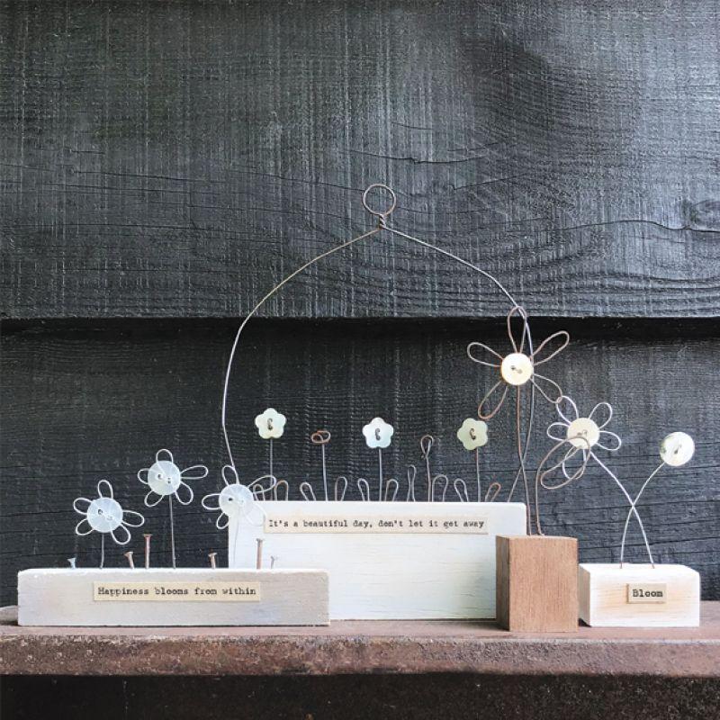 Λουλούδι με σύρμα σε βάση