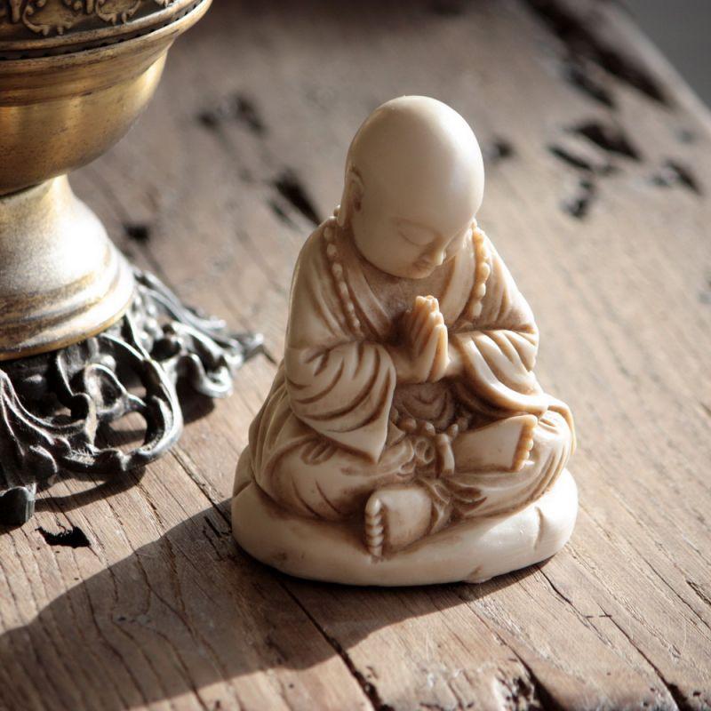 Βούδας σε προσευχή 11εκ.