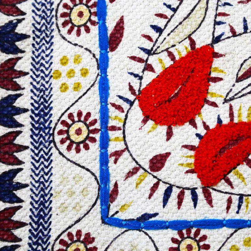 Χαλί 120x180 κεντητό Flower dance με πομ πομ